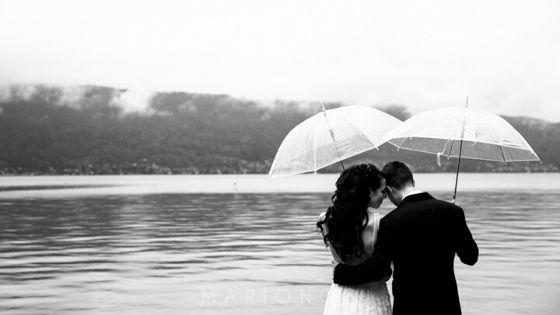 Une cérémonie sur les bords du lac d'Annecy